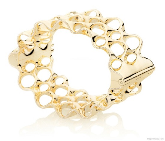 An example of a laser sintered gold bracelet
