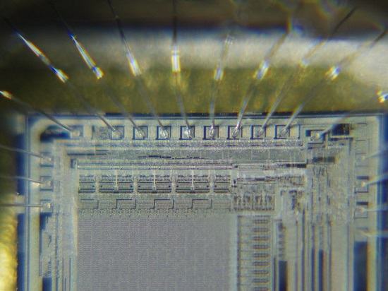 Wire bonding in an Intel processor